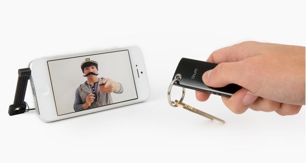 Selfies made easier: 4 wireless shutter remotes for smartphone photography