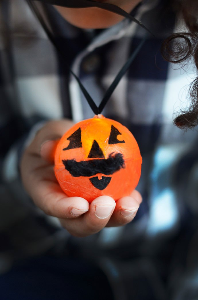 DIY tech: A Halloween pumpkin light necklace