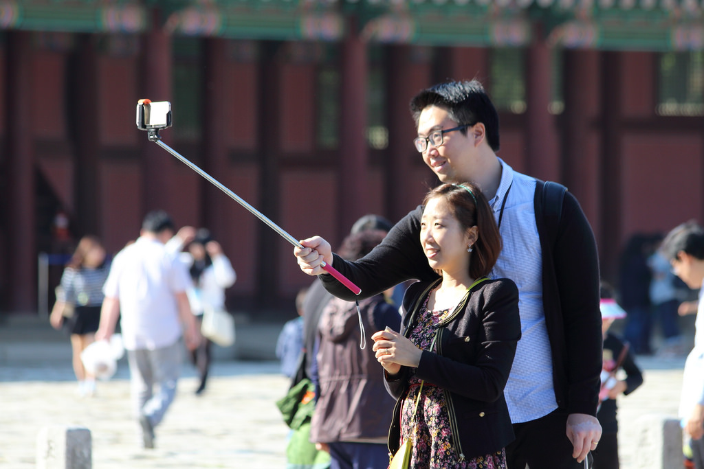5 smart selfie stick alternatives. Because OH NOES, NOT A BAN ON SELFIE STICKS.