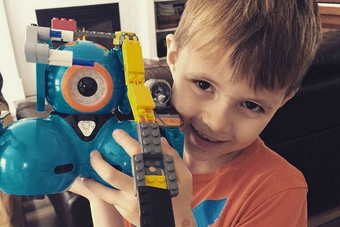 9 awesomely cool coding projects for kids using the Dot and Dash robots from Wonder Workshop