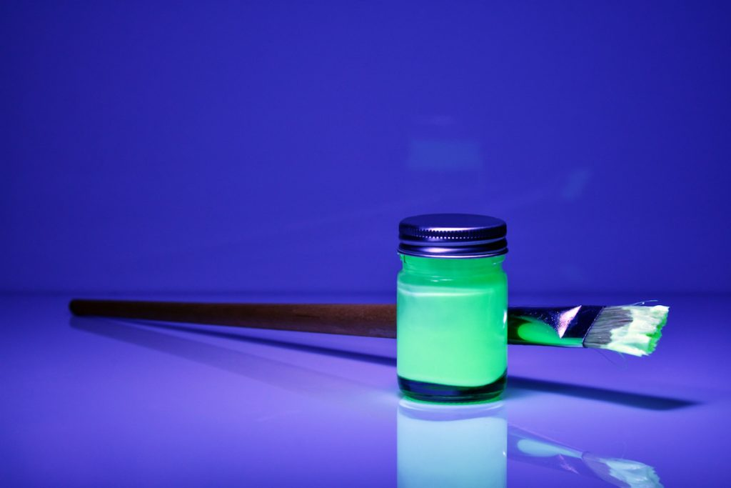 Light science activities for kids: Learning phosphorescent paints | cool mom tech