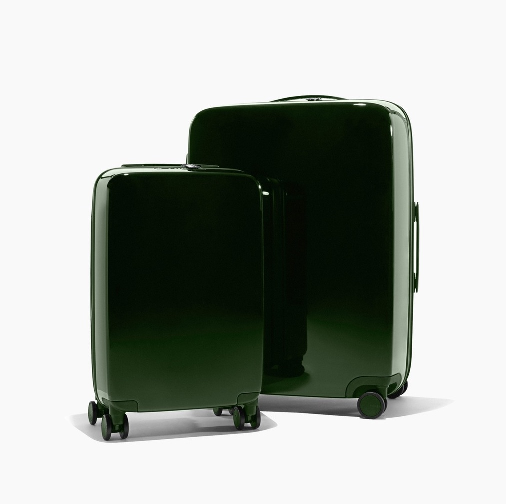 Raden high-tech luggage sets in 10 gorgeous colors: Amazing tech travel gift