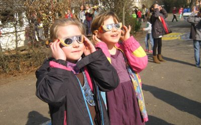 The best solar eclipse glasses for your family, in every price range. Because you like your retinas.