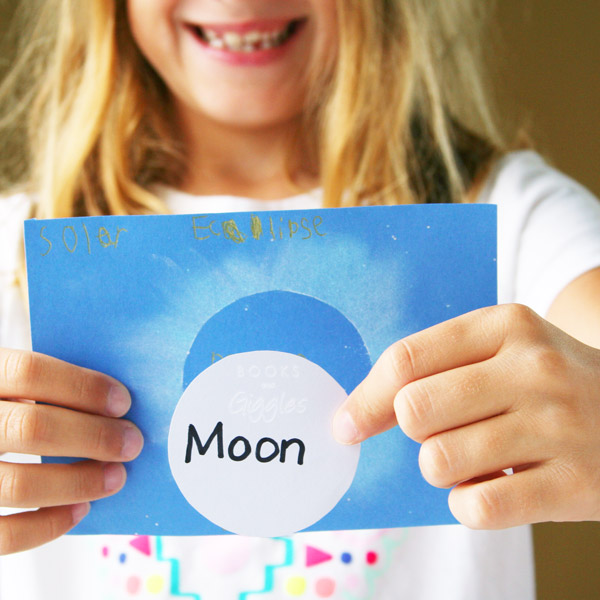 Eclipse craft for kids from Books and Giggles | Cool Mom Tech