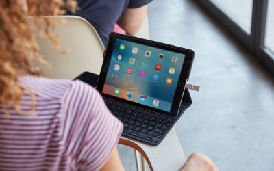 13 practical tech gifts anyone with a smartphone or tablet can use | Holiday Tech Gifts 2017