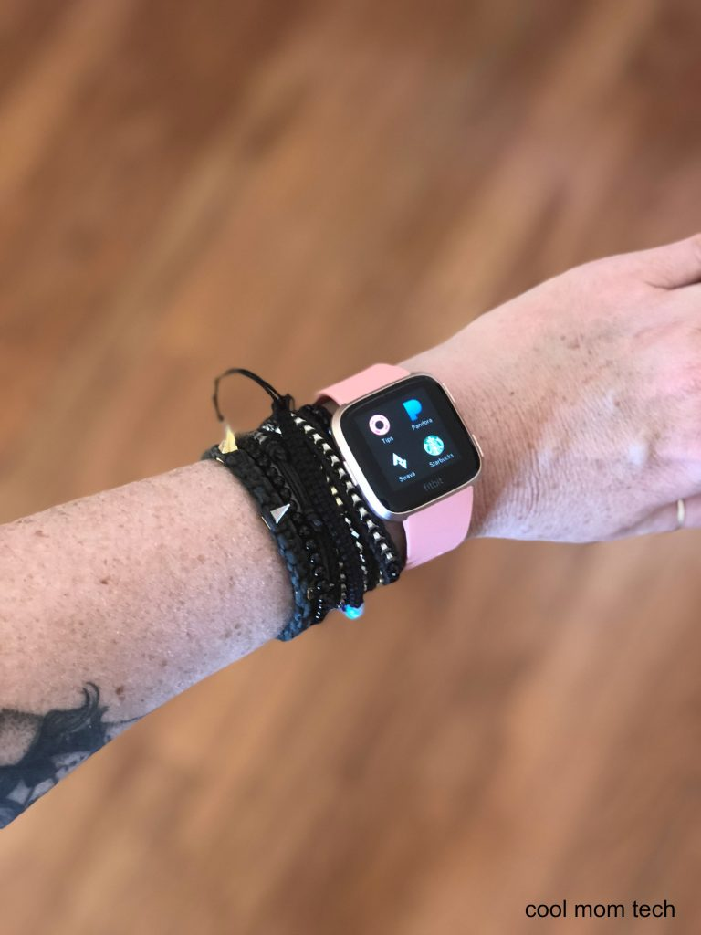 The apps on the new Fitbit Versa | Cool Mom Tech