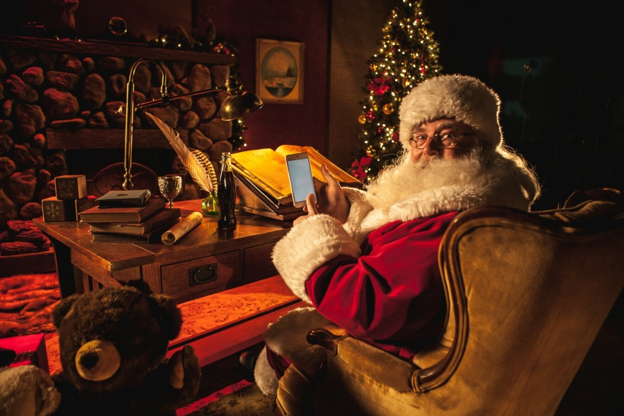 Get texts from Santa, right on your phone: Ways to track Santa