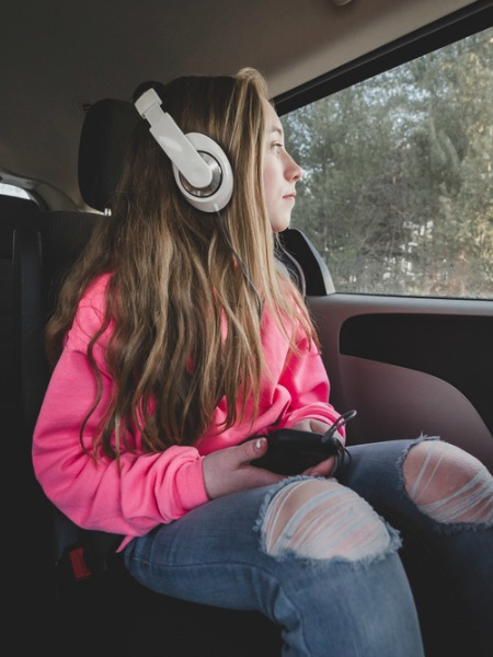 In defense of teens with headphones | Cool Mom Tech