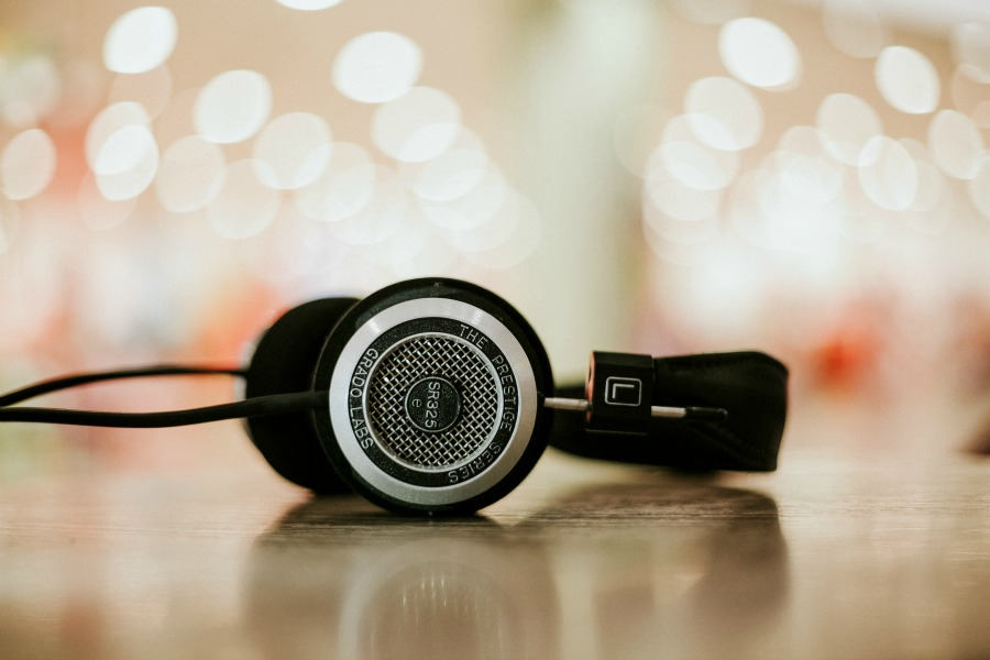 5 podcasts I listened to this month: May edition