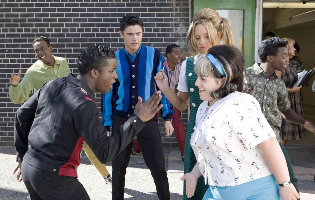 Surprising rom-coms to watch with your family on Netflix now : Hairspray