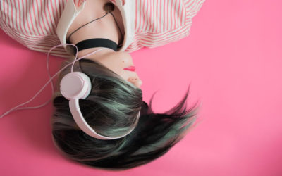 5 of the best audiobook apps to listen to while you scrub the counters. Again.