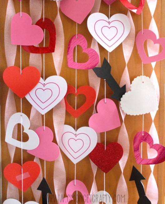 Make your own Valentine's Day Zoom backdrop for your kids with this clever idea from C'Mon Get Crafty